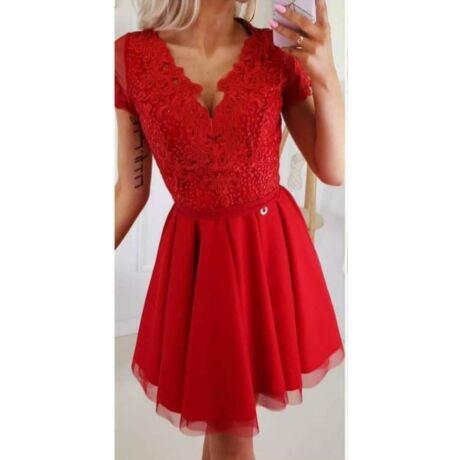 Piros csipke ruha